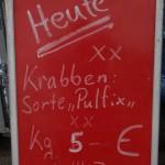 Krabbenverkauf auf dem Fischmarkt in Cuxhaven