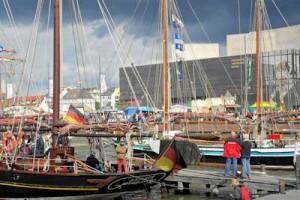 Der Segelhafen bei der Sail in Bremerhaven, an der Nordsee