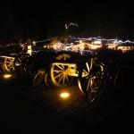 die alten Kanonen bewachen den Weihnachtsmarkt