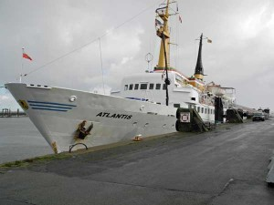 Atlantis an der Pier in Cuxhaven